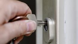 ВВологодской области обманутые дольщики наконец получили ключи отсвоих квартир