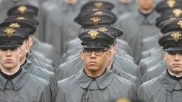 ВСША курсанты регулярно встречали инструктора нацистским приветствием
