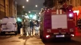Петербурженка рассказала, как нанее рухнул скрыши горящий мужчина