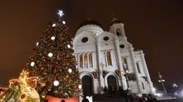 Рождественское богослужение вХраме Христа Спасителя вМоскве ивСпасо-Преображенском соборе вПетербурге— прямая трансляция