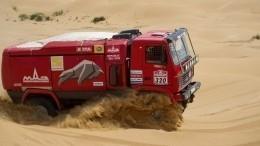 Белорусский экипаж побеждает вобщем зачете после третьего этапа вгонке грузовиков
