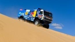 Гонщики экипажей «КАМАЗ-мастер» отрассе «Дакар» напятый день: «отвесная скала»