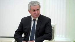 Президент Абхазии призвал оппозицию кпереговорам