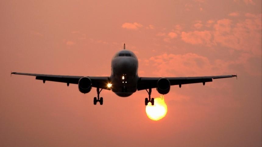 Иранский пассажирский самолет вынужденно сел наострове Киш