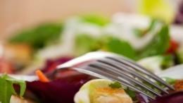 «Ешь ихудей»: рецепт салата, помогающего сбросить вес