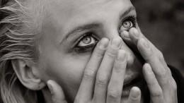 Подруга выпавшей изокна Ксении Пунтус призвала прекратить травлю девушки