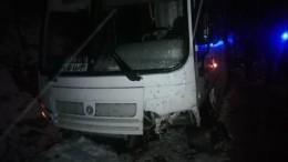 Водитель отечественного внедорожника погиб втройном ДТП под Нальчиком