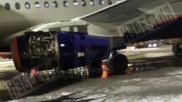 Фото повреждений обшивки двигателя SSJ-100 в«Шереметьево»