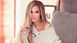 «Женщина, которая вдохновляет»: Джей Лодоказала, что вбелой одежде можно выглядеть стройно