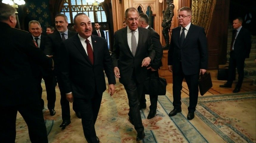 Переговоры глав МИД иМинобороны России иТурции проходят вМоскве