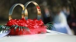 Видео: «Пируэты» свадебного кортежа наоживленной улице вБурятии заинтересовали ГИБДД