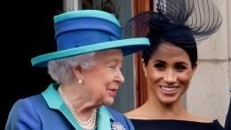 Елизавета II непротив отказа принца Гарри иМеган Маркл откоролевских привилегий