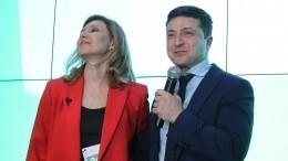 «Извините-подвиньтесь»: Жена Зеленского заняла место Марины Порошенко вмузее