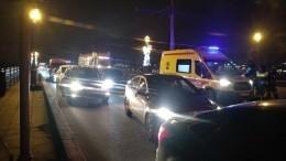 Уснувший зарулем водитель втянул вДТП три авто наТроицком мосту вПетербурге