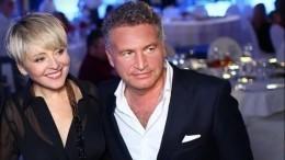 «Родители вкультурном шоке»: Агутин иВарум посетили рок-концерт дочери вСША