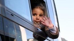 Благодаря переправе, построенной военными РФ, всирийский город Дейр-Эз-Зор возвращаются беженцы