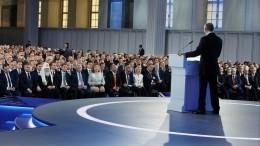Путин: Чиновники, судьи идепутаты недолжны иметь иностранное гражданство