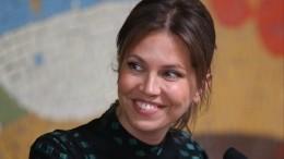 Ксения Собчак показала фото сосвадьбы Дарьи Жуковой ипоздравила подругу
