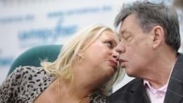 «Когда выпивал— становился невыносим»: вдова Караченцова решилась наоткровение