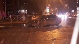 Пассажиров выбросило измаршрутки после столкновения слегковушкой вПетербурге