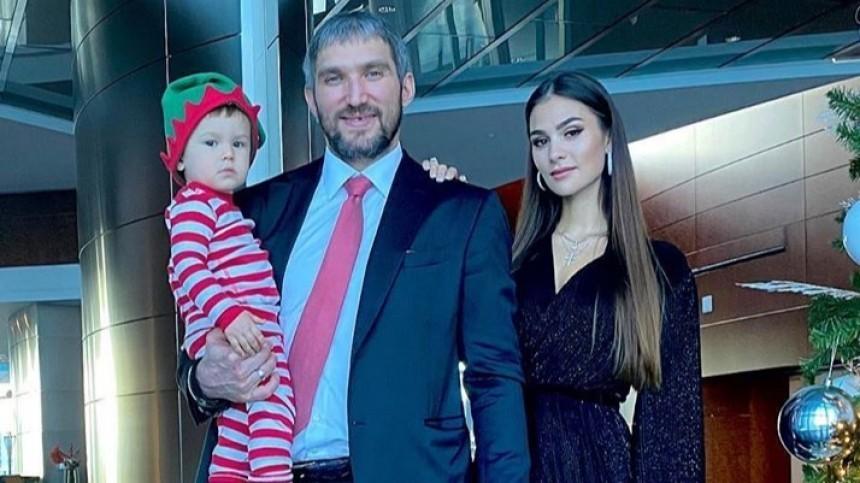 Полуторогодовалый сын Овечкина встретил новый рекорд папы аплодисментами