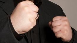 «Некомпетентный!»— Российский боец ММА обизбившем подростка вТЦохраннике