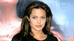 Анджелина Джоли впала в«голодную депрессию»: актриса стремительно теряет вес