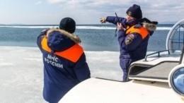 Около 300 рыбаков оказались отрезанными отберега наСахалине