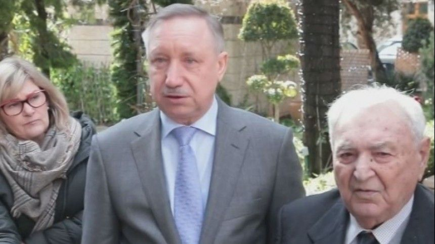 Беглов вручил юбилейные медали проживающим вИзраиле блокадникам