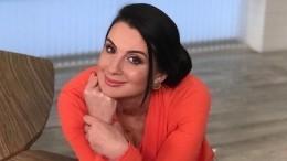 «Яееукраду увас»: Стриженова показала дочь-отличницу инашла для нее женихов