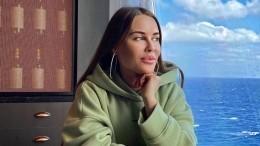 «Розовый, коралловый, фуксия?»— Юлия Михалкова озадачилась цветом платья