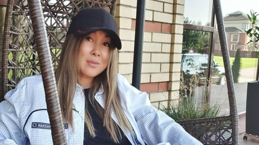 «Ато!»: Анита Цой призналась вшалостях перед зеркалом