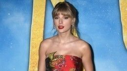 Тейлор Свифт рассказала оборьбе стяжелой болезнью