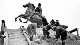 Акция «Блокадный хлеб» проходит вДень снятия блокады Ленинграда повсей России