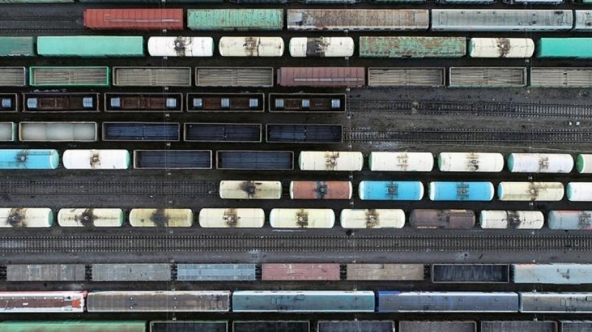 ВИркутской области вовремя крушения поезда вагоны сложились как карточный домик