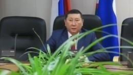 Якутский чиновник введет должности замов подолголетию идуховному развитию