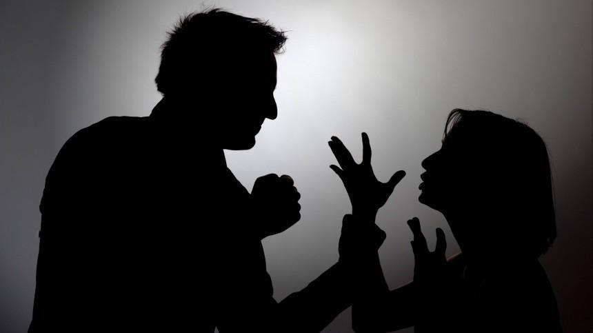 ВТамбове несовершеннолетнюю студентку колледжа изнасиловали накладбище