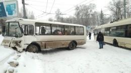 Шесть человек пострадали втройном ДТП вТомске