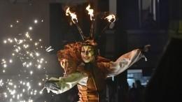 Венецианский карнавал открылся зрелищным водным парадом— видео