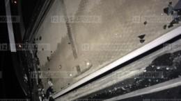 Жительница Подмосковья подозревает, что наеемашину упал метеорит
