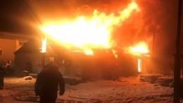 Здание фабрики горит воВладимирской области наплощади в1600 квадратов