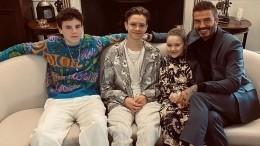 Вся семья Виктории Бекхэм пришла поддержать еенамодном показе вЛондоне