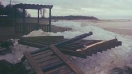 Шторм уничтожил пляж вПетербурге, наблагоустройство которого потратили 56 миллионов рублей