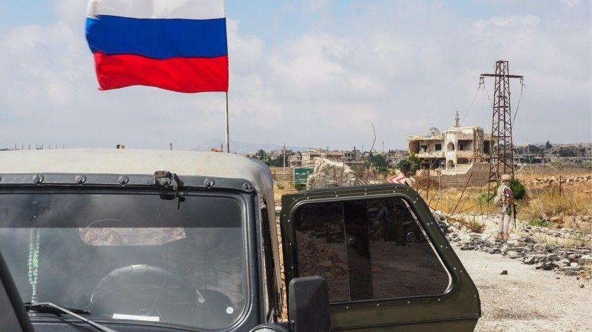 Американский броневик попытался столкнуть российский «Тигр» сдороги вСирии— видео