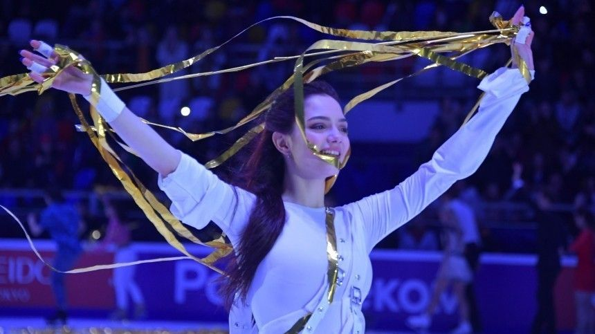 Плющенко посоветовал Медведевой завершить профессиональную карьеру фигуристки