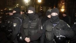 Полицейские пострадали встычках из-за эвакуированных изКитая украинцев