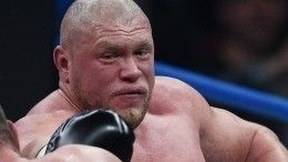Начался бой Максима Новоселова иИгоря Кузнецова
