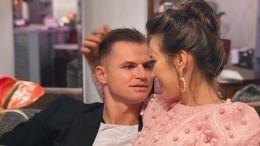 Дмитрий Тарасов показал жену смолокоотсосом нагруди