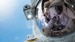Видео: НЛО преследует Международную космическую станцию