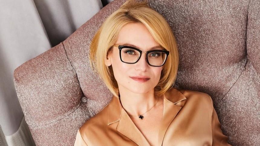 Хромченко рассказала, как правильно носить платья-рубашки